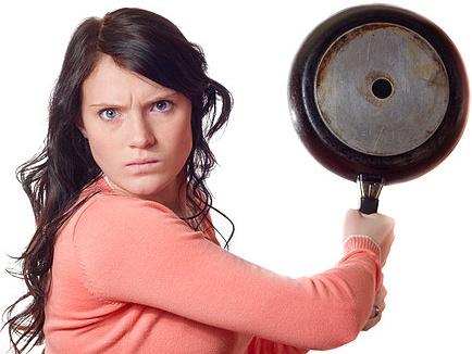 Как разозлить девушку. 10 убойных способов.